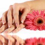 Как восстановить сухую кожу рук
