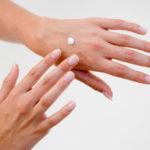 Сухость кончиков пальцев рук причины