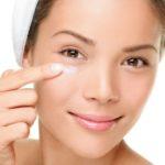 Как вернуть упругость кожи вокруг глаз