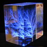 Фигуры лихтенберга на стекле