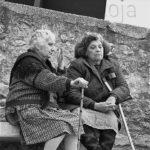 Фото пожилого человека с морщинами